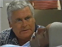 Lou Carpenter, Ben Atkins in Neighbours Episode 3001