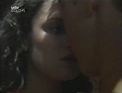 Caitlin Atkins, Billy Kennedy in Neighbours Episode 3001