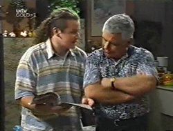 Toadie Rebecchi, Lou Carpenter in Neighbours Episode 3001