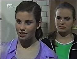 Anne Wilkinson, Mandi Rodgers in Neighbours Episode 3002