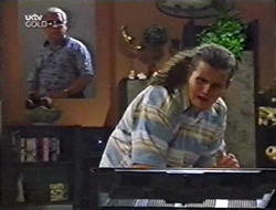 Lou Carpenter, Toadie Rebecchi in Neighbours Episode 3002