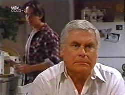 Darren Stark, Lou Carpenter in Neighbours Episode 3002