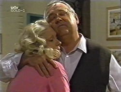 Madge Bishop, Harold Bishop in Neighbours Episode 3004