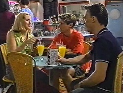 Amy Greenwood, Lance Wilkinson, Perry Pinchen in Neighbours Episode 3004