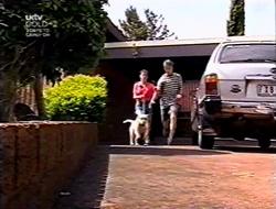 Anne Wilkinson, Bonnie, Billy Kennedy in Neighbours Episode 3006