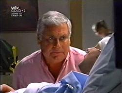 Lou Carpenter, Ben Atkins in Neighbours Episode 3007