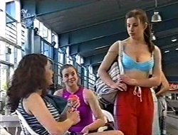 Caitlin Atkins, Mandi Rodgers, Anne Wilkinson in Neighbours Episode 3008