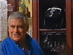 Lou Carpenter in Neighbours Episode 3009
