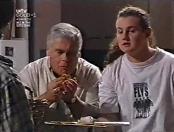 Lou Carpenter, Toadie Rebecchi in Neighbours Episode 3010