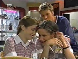Anne Wilkinson, Billy Kennedy, Caitlin Atkins in Neighbours Episode 3011