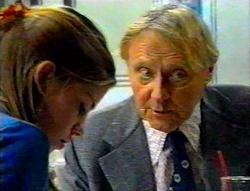 Anne Wilkinson, Fred Parkes in Neighbours Episode 3112