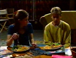 Anne Wilkinson, Lance Wilkinson in Neighbours Episode 3113