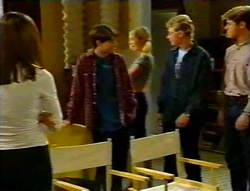 Anne Wilkinson, Paul McClain, Amy Greenwood, Patrick Greenwood, Lance Wilkinson in Neighbours Episode 3113