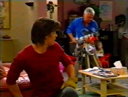 Drew Kirk, Lou Carpenter in Neighbours Episode 3115