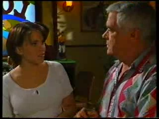 Libby Kennedy, Lou Carpenter in Neighbours Episode 3141