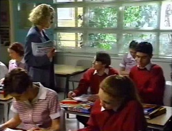 Tess Bell, Tad Reeves, Paul McClain, Hannah Martin in Neighbours Episode 3414