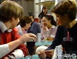 Tad Reeves, Susan Kennedy, Hannah Martin in Neighbours Episode 3414