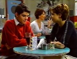 Paul McClain, Hannah Martin in Neighbours Episode 3414