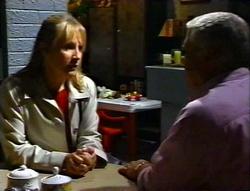 Ruth Wilkinson, Lou Carpenter in Neighbours Episode 3414