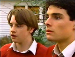 Tad Reeves, Paul McClain in Neighbours Episode 3416