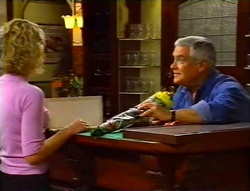 Tess Bell, Lou Carpenter in Neighbours Episode 3420