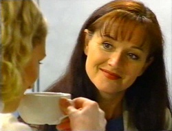 Tess Bell, Susan Kennedy in Neighbours Episode 3420