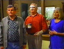 Barry Reeves, Harold Bishop, Madge Bishop in Neighbours Episode 3442