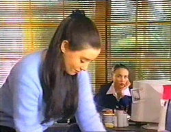 Geri Hallet, Libby Kennedy in Neighbours Episode 3442