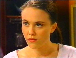 Libby Kennedy in Neighbours Episode 3443