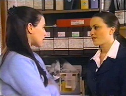 Geri Hallet, Libby Kennedy in Neighbours Episode 3443
