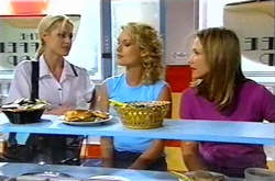 Dee Bliss, Tess Bell, Steph Scully in Neighbours Episode 3739