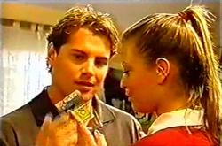 Joel Samuels, Felicity Scully in Neighbours Episode 3742