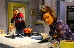Joe Scully, Lyn Scully in Neighbours Episode 3743