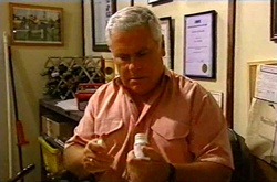 Lou Carpenter in Neighbours Episode 3743
