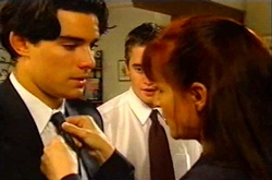 Paul McClain, Tad Reeves, Susan Kennedy in Neighbours Episode 3744