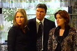 Steph Scully, Joe Scully, Lyn Scully in Neighbours Episode 3745
