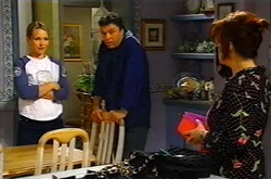 Steph Scully, Joe Scully, Lyn Scully in Neighbours Episode 3746