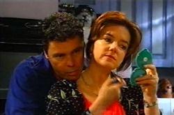 Joe Scully, Lyn Scully in Neighbours Episode 3746