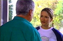 Lou Carpenter, Steph Scully in Neighbours Episode 3746
