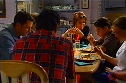 Larry Woodhouse (Woody), Joe Scully, Lyn Scully, Jack Scully, Michelle Scully in Neighbours Episode 3747