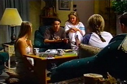 Felicity Scully, Jack Scully, Michelle Scully, Steph Scully, Larry Woodhouse (Woody) in Neighbours Episode 3748