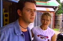 Larry Woodhouse (Woody), Steph Scully in Neighbours Episode 3748