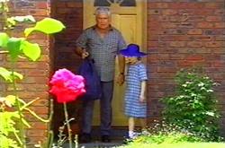 Lou Carpenter, Louise Carpenter (Lolly) in Neighbours Episode 3750