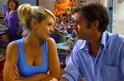 Tess Bell, Evan Hancock in Neighbours Episode 3750