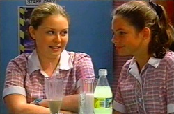 Michelle Scully, Elly Turnbull in Neighbours Episode 3750