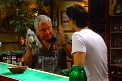 Lou Carpenter, Matt Hancock in Neighbours Episode 3750