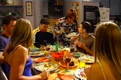 Larry Woodhouse (Woody), Steph Scully, Joe Scully, Lyn Scully, Jack Scully, Felicity Scully in Neighbours Episode 3751