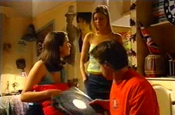 Felicity Scully, Jess Fielding, Tad Reeves in Neighbours Episode 3751