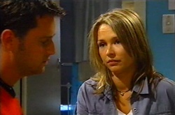 Larry Woodhouse (Woody), Steph Scully in Neighbours Episode 3752