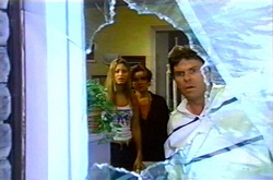 Felicity Scully, Lyn Scully, Joe Scully in Neighbours Episode 3752